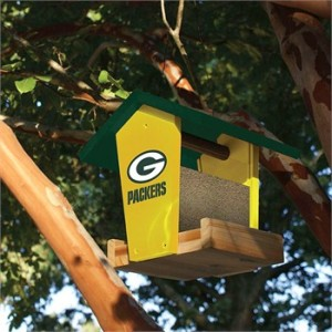 green-bay-packers-wood-bird-feeder